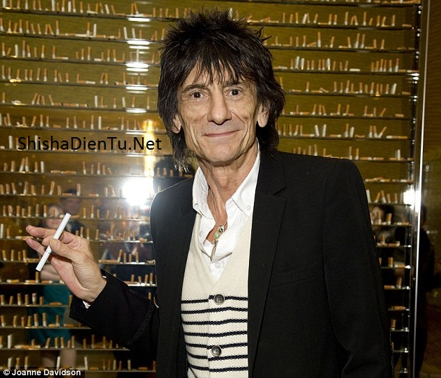 Ronnie Wood vape