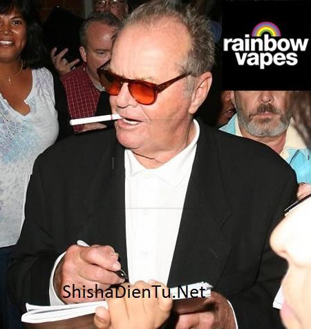 VAPE LÀ GÌ Jack Nicholson vape E-Cigarettes on the hand